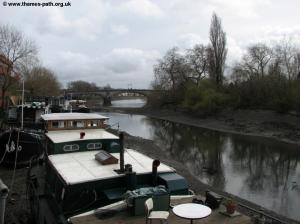 Kew Road bridge and house boats