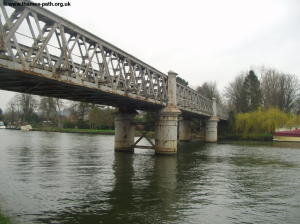 Rusting Bourne End bridge