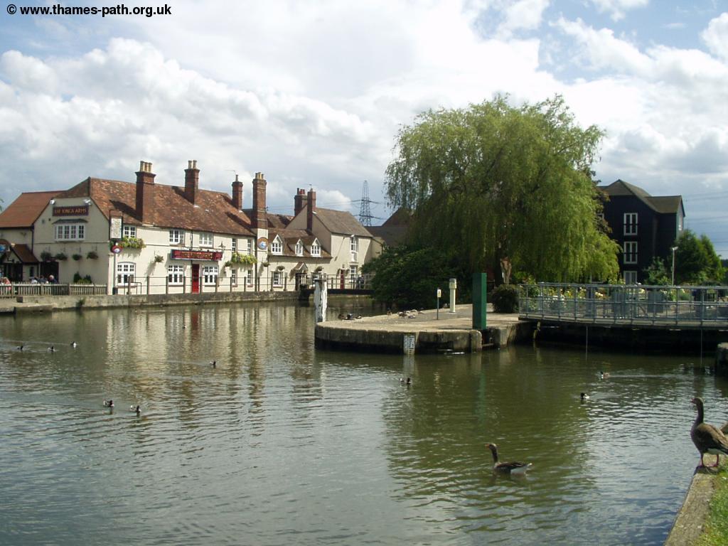 The Thames Path - Abingdon to Oxford