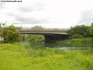 The modern A34 bridge