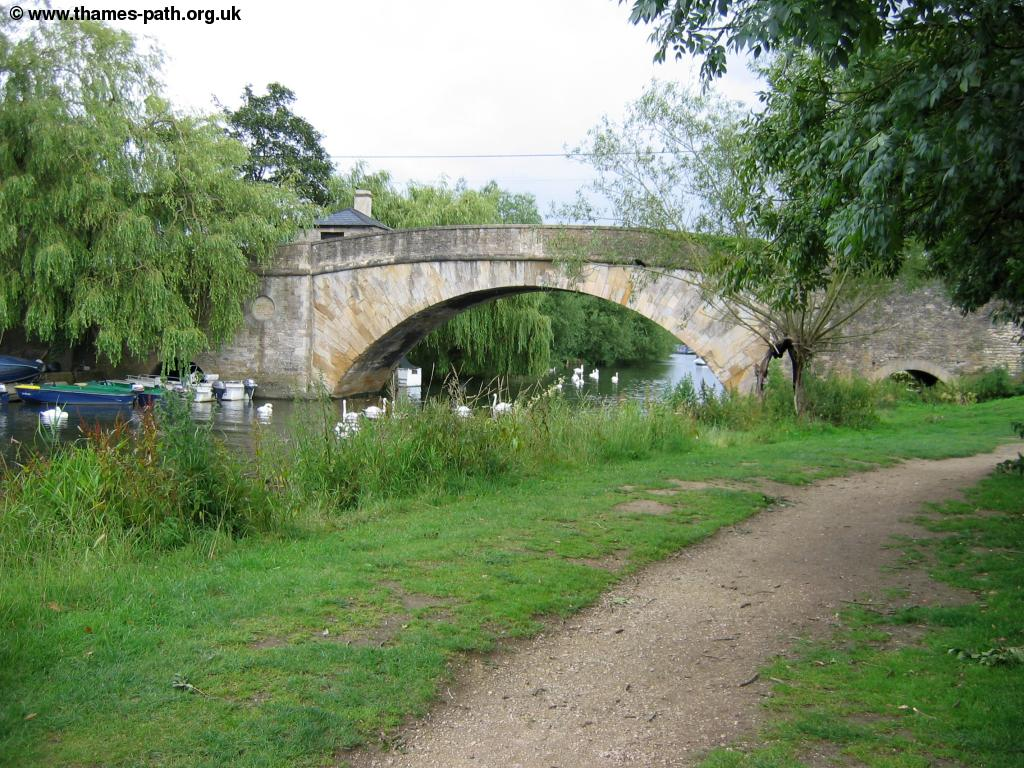 The Thames Path Cricklade To Lechlade